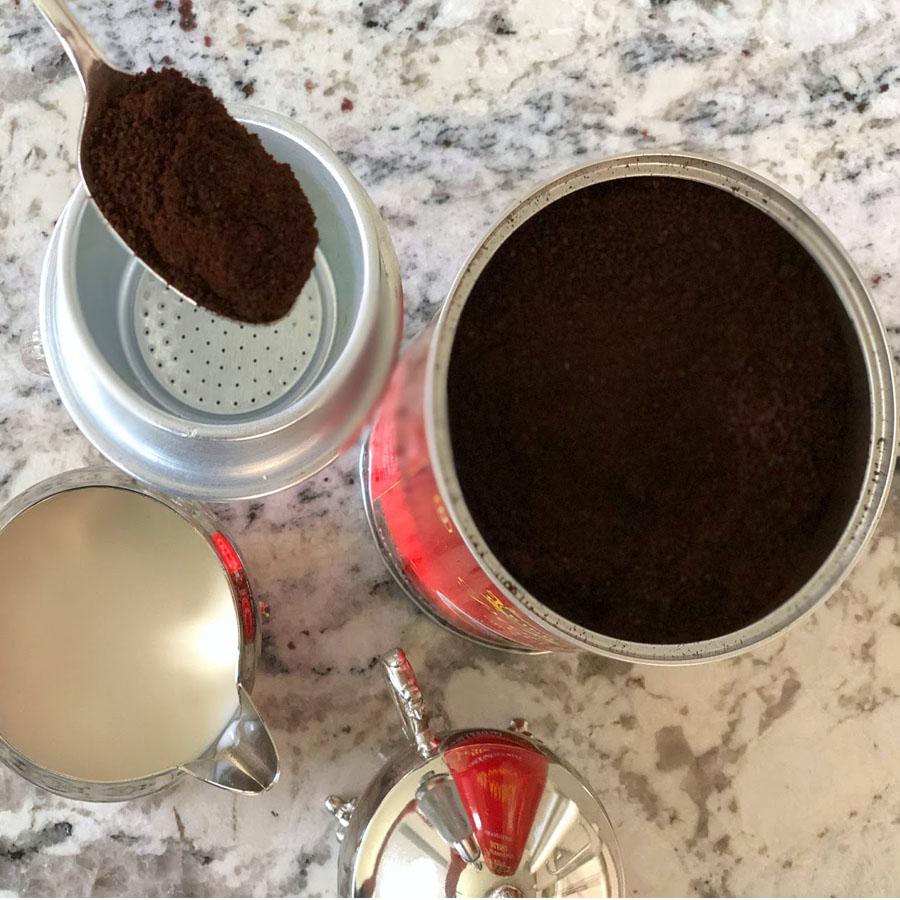Cà phê rang xay Premium Blend King Coffe lon 450g